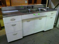 Vintage Metal Cabinets for Sale - Home Furniture Design Images Of Kitchen Cabinets, Kitchen Cabinets For Sale, Kitchen Cupboard Designs, Kitchen Cabinetry, New Kitchen, Metal Cabinets, Kitchen Ideas, Kitchen Wood, Kitchen Sinks