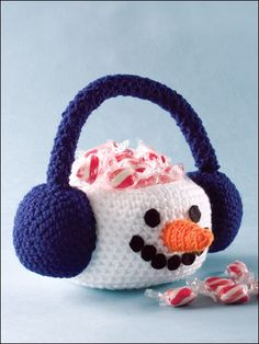 Snowman Basket - Add this whimsical accent to your home decor to enchant and delight your holiday guests.  Skill Level: Easy Designed by Cindy Harris free pdf