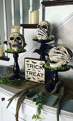 If you enjoy Halloween, you must be very excited about decorating your home for it. But aren't you tired of the same old paper pumpkins in your window every year? Get more Halloween home decor ideas – luckily, there are… Continue Reading → Looks Halloween, Halloween 2018, Holidays Halloween, Happy Halloween, Halloween Celebration, Vintage Halloween, Diy Halloween Dekoration, Halloween Home Decor, Halloween Crafts
