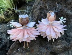 Wood Peg Dolls, Clothespin Dolls, Christmas Fairy, Christmas Crafts, Christmas Ornaments, The Snow, Yarn Dolls, Winter Fairy, Fairy Crafts