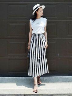 着やせ効果もある ストライプ × ロングスカート♡
