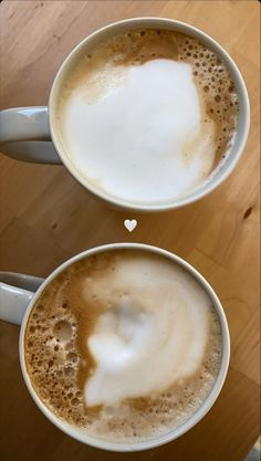 Coffee Cafe, Coffee Drinks, Coffee Shop, Aesthetic Coffee, Aesthetic Food, Salade Healthy, Food Snapchat, Coffee And Books, Food Goals