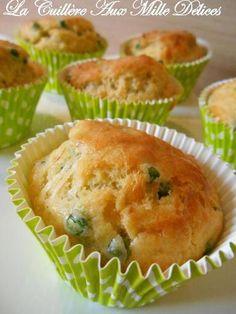 Cakes aux petits pois et comté - Recette de cuisine Marmiton : une recette