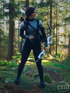 Awesome Katniss Everdeen cosplay from the Hunger Games movie! - Spotlight on ÁLI
