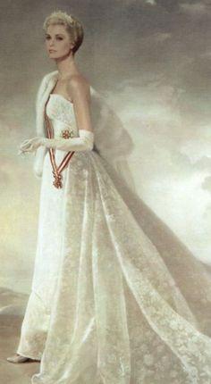 Princess Grace of Monaco.  Via @wiesje12. #art #GraceKelly