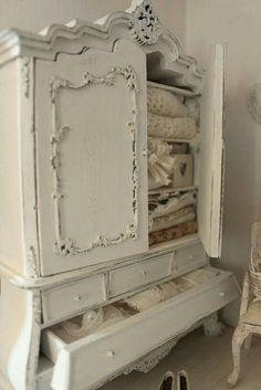 Shabby armoire ~