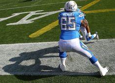 images of denver broncos 2013 | Denver Broncos Sign Louis Vasquez - FanSided - Sports News - An ...