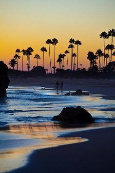 Twitter, Huntington Beach, California pic.twitter.com/isFXHY8iH3