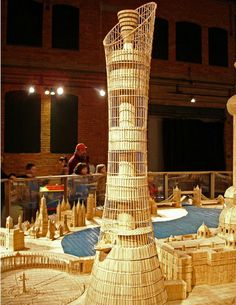 The amazing works of one of the most patient men in the world. It took Stan Munro, 6 years to build this toothpick city. He used 6 million toothpicks and 170 litres of glue. Toothpick Sculpture, Toothpick Crafts, Matchstick Craft, Famous Structures, Pick Art, Craft Stick Crafts, Craft Sticks, Paper Crafts, Wood Sculpture