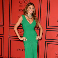 """Body shape-specific, 30-minute workouts from Shape.com. This one's for hourglass-shaped women! -- """"Try this plan to keep a shapely yet firm figure like Sofia Vergara. - Shape.com"""""""