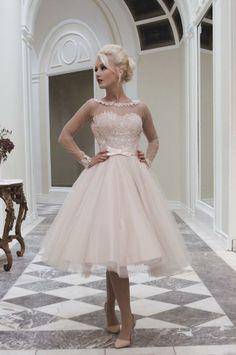 10 adorable tea-length wedding dresses | Dreamwedding