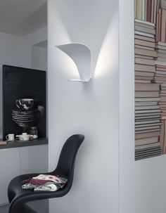 LED indirect light painted metal wall lamp - Oluce