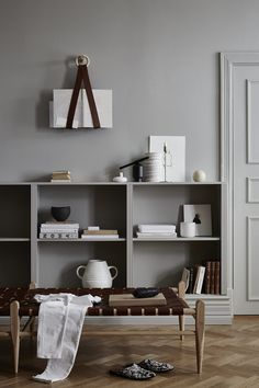 Discover the Beautiful Leather Furniture and Accessories by Swedish Design Studio Smålands Skinnmanufaktur – Nordic Design – Living Room Desings Estilo Interior, Cafe Interior, Interior Styling, Gray Interior, Simple Interior, Kitchen Interior, Decoration Inspiration, Interior Inspiration, Decor Ideas