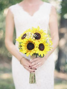 Sunflower and gypsophila wedding bouquet // Davey and Krista Photography // The Natural Wedding Company Gypsophila Wedding Bouquet, Wedding Bouquets, Wedding Flowers, Summer Wedding Centerpieces, Autumn Lake, Wedding Highlights, Wedding Company, Outdoor Ceremony, Summer Flowers
