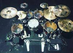 Rhythm Method, Drums Studio, Drums Artwork, Best Drums, Drum Music, Drummer Boy, How To Play Drums, Drum Kits, Music Bands