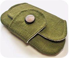olive pocket clutch pattern by michelle patterns