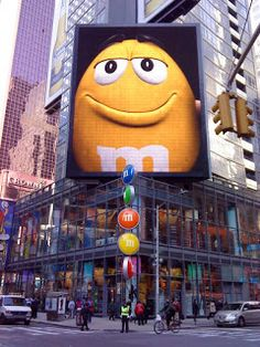 M & M'S STORE 1600 Broadway, Times Square NEW YORK makes me smile....mms