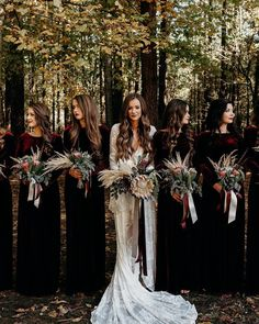 Tennessee Boho Wedding // Lauren + Caleb - The Forwards Photography inspo boho bridesmaid dresses Velvet Bridesmaid Dresses, Boho Bridesmaids, Winter Bridesmaid Dresses, Halloween Bridesmaid Dress, Winter Wedding Bridesmaids, Velvet Wedding Dresses, Wedding Suits, Bridesmaid Dresses Long Sleeve, Different Bridesmaid Dresses