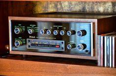 McIntosh Preamplifier Fi Car Audio, Hifi Audio, Audio Vintage, Speaker Amplifier, Speakers, Custom Consoles, Wall Of Sound, Hi Fi System, Recorder Music
