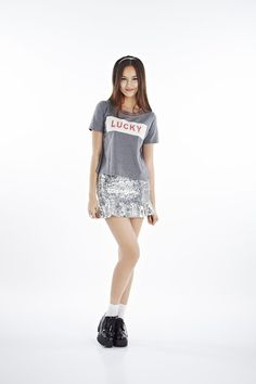 Glitter Tee [1PPSS15003]  The Glitter Tee has a boxy silhouette so wearing it loose is optimal for a generous fit.