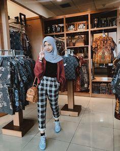Modern Hijab Fashion, Street Hijab Fashion, Hijab Fashion Inspiration, Korean Fashion, Casual Hijab Outfit, Ootd Hijab, Casual Outfits, Niqab, Funny Humor