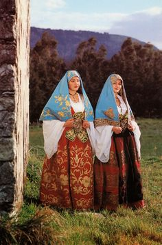 FolkCostume&Embroidery: Overview of the Folk Costumes of Europe, Italy