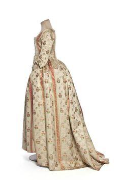 robe à l'anglaise | Centre de documentation des musées - Les Arts Décoratifs