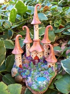 120 Easy And Simply To Try DIY Polymer Clay Fairy Garden Ideas. Polymer clay is a clay like material made from polyvinyl chloride (PVC), plasticizer and pigment. Polymer Clay Fairy, Polymer Clay Projects, Polymer Clay Charms, Polymer Clay Creations, Clay Crafts, Clay Fairy House, Fairy Houses, Kobold, Clay Fairies