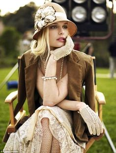 Great Gatsby Style - Kate Bosworth vintage love the gloves and hat! Great Gatsby Party Outfit, Great Gatsby Fashion, Great Gatsby Clothing, Gatsby Outfit, 1920s Clothing, Unique Clothing, Clothing Stores, Vintage Clothing, Moda Vintage
