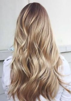 No matter your hair color or style, these balayage highlights inspiration are exactly you need to take to your next salon appointment. Time to liven up you hair color! Dirty Blonde Hair With Highlights, Fall Blonde Hair, Balayage Straight Hair, Blonde Hair Looks, Honey Blonde Hair, Hair Highlights, Blonde For Brunettes, Blonde Hair For Pale Skin, Natural Blonde Hair With Highlights