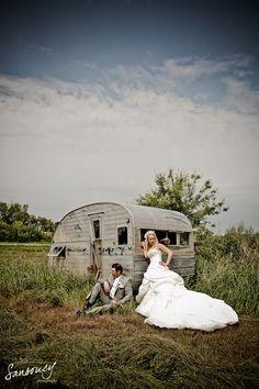Saskatoon Wedding Photography by Martine Sansoucy Photographer Groom Poses, Dog Show, Photographing Kids, Photography Portfolio, Bride Groom, Destination Wedding, Wedding Photography, Facebook, Pets