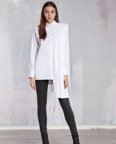 Cu linii clare si delicate va prezentam aceasta piesa fascinanta camasa tip rochie GLORIA, pregatita pentru garderoba dumneavoastra. Aceasta camasa alba este o piesa special creata pentru femeile carora le place sa domine si sa emane putere. Normcore, Style, Fashion, Swag, Moda, Fashion Styles, Fasion, Fashion Illustrations, Stylus