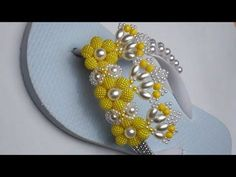 Summer Diy, Fun Crafts, Beaded Jewelry, Youtube, Gisele, Closet, Beautiful Sandals, Flip Flop Decorations, Decorated Flip Flops