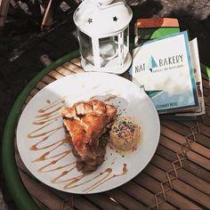 Apple Pie & Motherhood  Pie con gelato funfetti #natbakery #biologico #natural #bakery #cake #handmade #americanfood #foodporn #aversa #napoli