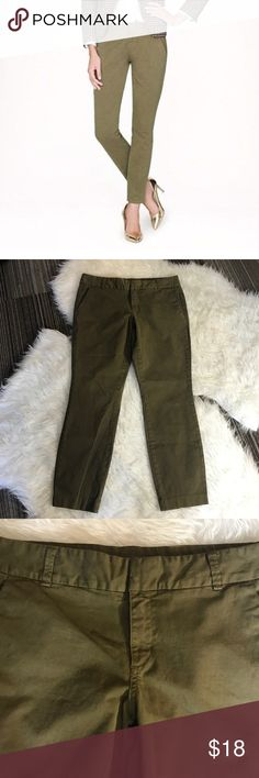 "J. Crew Andie Chino in Army Green J. Crew Andie chino in army green. Perfect condition! With its slimming fit and slightly cropped leg, out sleekest chino will make your favorite skinny jeans jealous. Sits above hip. Fitted through hip and thigh, with a slim, ankle-length leg. Cotton with a hint of stretch. Zip fly with double bar closure. Front slant pockets. Back welt pockets. Belt loops. 98% cotton, 2% spandex. Waist is about 36,"" inseam is approximately 27,"" front rise is about 9."" Size 12. J. Crew Pants Ankle & Cropped"