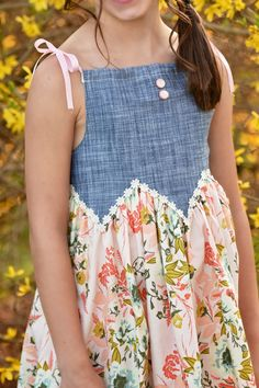 Baby Frocks Designs, Kids Frocks Design, Baby Girl Dress Patterns, Baby Dress, Skirt Patterns, Coat Patterns, Blouse Patterns, Sewing Patterns, Kids Dress Wear