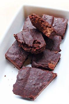 Banánové brownie - Recept pre každého kuchára, množstvo receptov pre pečenie a varenie. Recepty pre chutný život. Slovenské jedlá a medzinárodná kuchyňa