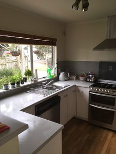 Find a flatmate or a room to rent anywhere in New Zealand. Flatmates Wanted, Rooms For Rent, Bedrooms, Kitchen, Table, House, Furniture, Home Decor, Quartos