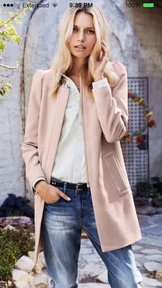 Obsessed with this fitted coat by H&M. It's under $50 too... So I love it even more now.