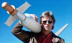 Ele voltou! Confira o trailer da nova série do MacGyver - http://www.showmetech.com.br/ele-voltou-confira-o-trailer-da-nova-serie-do-macgyver/
