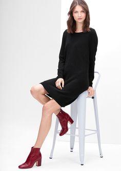 Kleid in Bouclé-Optik von s.Oliver. Entdecken Sie jetzt topaktuelle Mode für Damen, Herren und Kinder und bestellen Sie online.