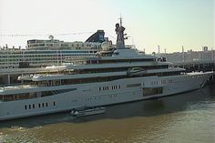 eclipse yacht at new york | The mega yacht Eclipse, owned by Russian billionaire Roman ...