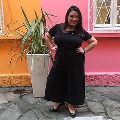 Look total black para a maratona de eventos de hoje! Pantacourt + camiseta! Gostaram? #allblack #preto #black #pantacourt #camiseta #tshirt #lookdadaphne #lookdodia #ootd #outfitoftheday #moda #fashion #blogueirademoda #fashionblogger #blogdemoda #fashionblog #blogger #blogueira #style #estilo #rsbloggers #rsbloggersnomasala #meIhorIook #cbrs2017 #lifeasdaphne