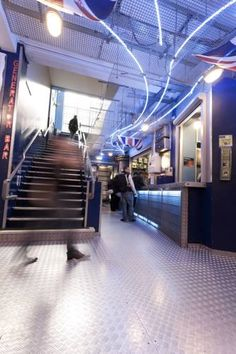 Vibrant and chic, with live DJs and famous Generator Bar, the *** Generator Hostel London is an ultimate place to visit! London Tourist Guide, London Travel, Cheap Hotels London, Generator Hostel, Hotel Safe, Great Hotel, Hotel Deals, Oh The Places You'll Go, Trip Advisor