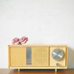 Music Art Retro Wall Art Romantic Mustard Yellow by CassiaBeck Vintage Records, Vintage Music, Vintage Love, Vintage Yellow, Retro Vintage, Retro Radios, Pub Radio, Music Radio, Home Deco