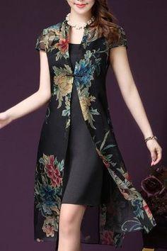 Elegant Plus-Size Spaghetti Tank Dress with Cap Sleeves Floral Print Long Cardigan Twinset For Women Pakistani Dress Design, Pakistani Dresses, Batik Dress, Lace Dress, Indian Designer Outfits, Designer Dresses, Stylish Dresses, Casual Dresses, Dress Outfits