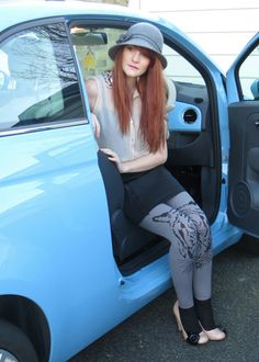 Grey tiger print leggins with black lace sockletts @laddernot #fashion #legwear