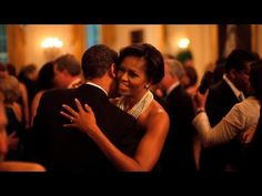 On This Day: President Barack Obama and First Lady Michelle Obama dance while the band Earth, Wind and Fire performs at the Governors Ball in the East Room of the White House, Feb. 2009 (Photo by Pete Souza) **** MoooOOOooorning! Michelle Obama, White House Tour, Civil Rights March, Obama 2008, 20 Years Of Marriage, Presidente Obama, Photos 2016, Romantic Photos, National Portrait Gallery