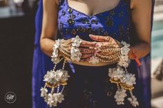 Settle For The Subtle White Blue Bridal, Bridal Style, Bridal Hair Inspiration, Hindu Bride, Ornaments Design, Flower Ornaments, Coral And Gold, Bride Accessories, Indian Wedding Outfits