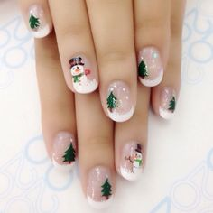 88 Wonderful DIY Christmas Nail Art Ideas for Girls - Christmas Nail Art Designs Diy Christmas Nail Art, Xmas Nail Art, Christmas Nail Art Designs, Christmas Manicure, Xmas Nails, Winter Nail Art, Toe Nail Art, Holiday Nails, Winter Nails